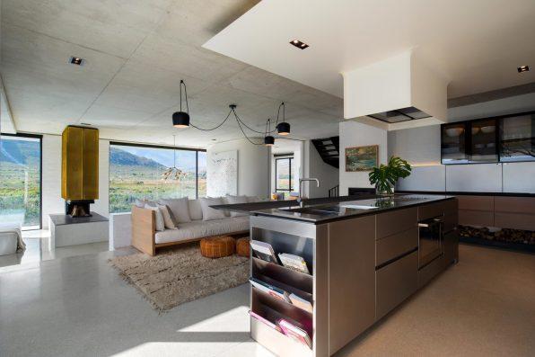 restio river house_saota_16
