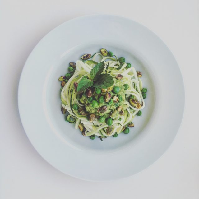 Zucchini Noodles with Avocado and Mint Sauce