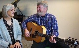 Unterstütze die Lieder in Giraffensprache