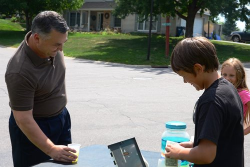 principal visits lemonade stands