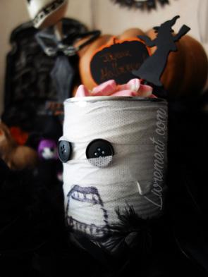 Conserve décorée comme une momie