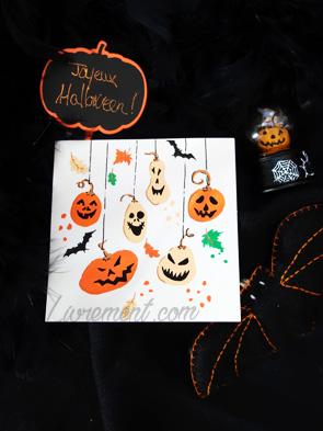 Carte dessinée avec des citrouilles pour Halloween