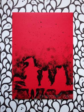 Enveloppe rouge réalisée à partir d'un pochoir