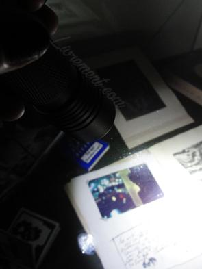 Nuit de la lecture 2018 Exposition dans le noir, oeuvres visibles avec une lampe torche