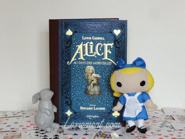 Pour le défi Valériacr0 d'octobre : j'ai lu Alice au pays des merveilles de Benjamin Lacombe