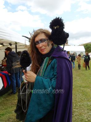 Echos et merveilles 2019 : Maîtresse et corbeaux en peluche