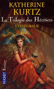 """Couverture de la trilogie des Héritiers de Katherine Kurtz : le livre contient """"Le calvaire de Gwynedd"""", """"L'année du roi Javan"""" et """"Le Prince félon"""""""