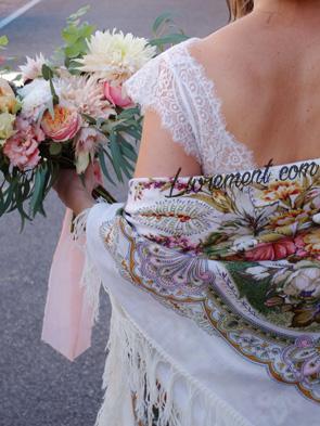 Bouquet et châle de mariée