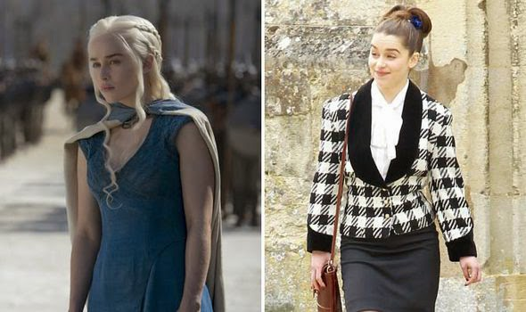 Emilia Clarke como Daenerys na série Game Of Thrones