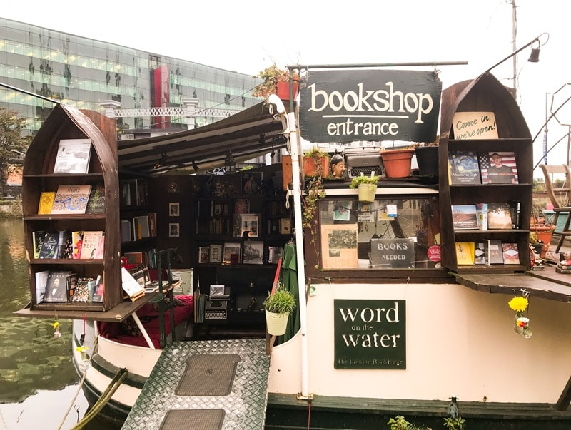 Librairie londres originale Word on the water