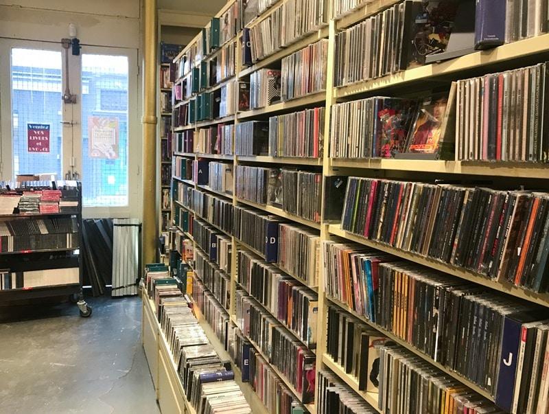 Librairie livres et CD d'occasion Paris
