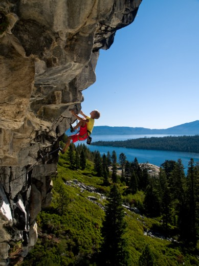 Climbing in beatiful Lake Tahoe ©Nathan_Gerdes