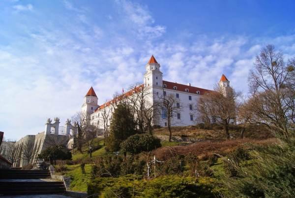 Penampakan Bratislava Castle dari tangga