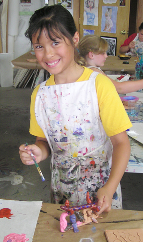 Working joyfully with clay in Kidz Aartz