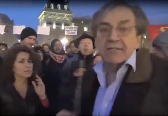Alain Finkielkraut wird von einer Kundgebung der Bewegung »Nuit Debout« verjagt, Paris, 17. April 2016