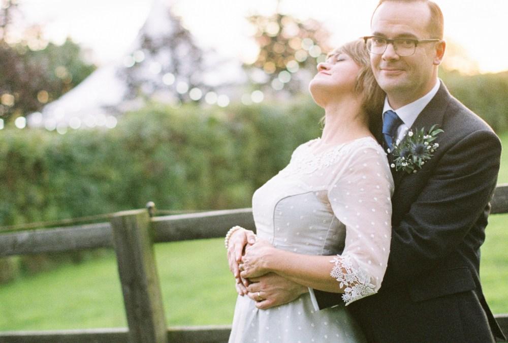 Stylish wedding photography | Redhouse Barn