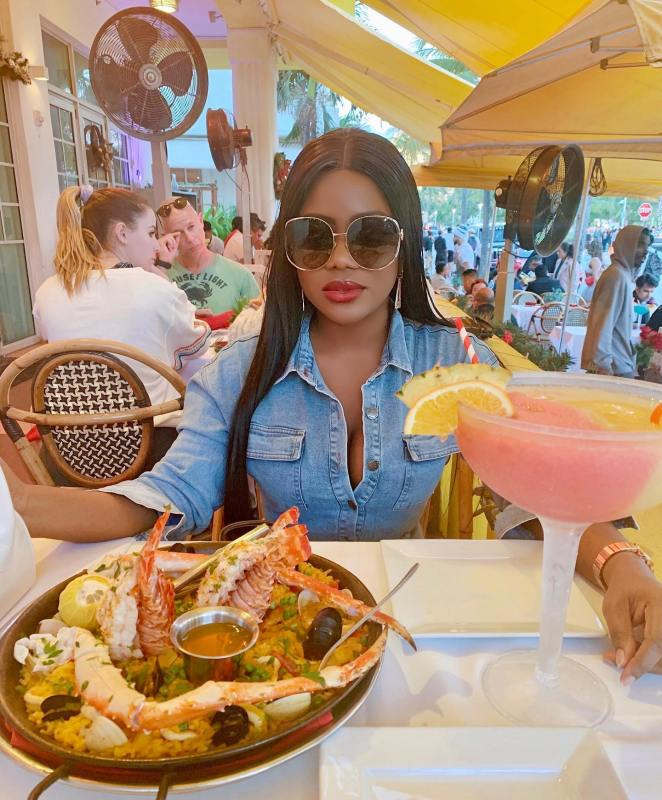 Liz Olusesan Ocean Drive Restaurant Paella