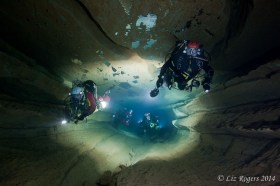 Diving the Ressel
