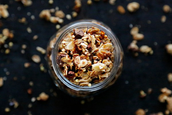 healthy chocolate chip granola recipe homemade lizzie homemaker