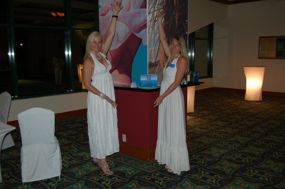 Nikki Beach Tegucigalpa White Party Ollie y Liz