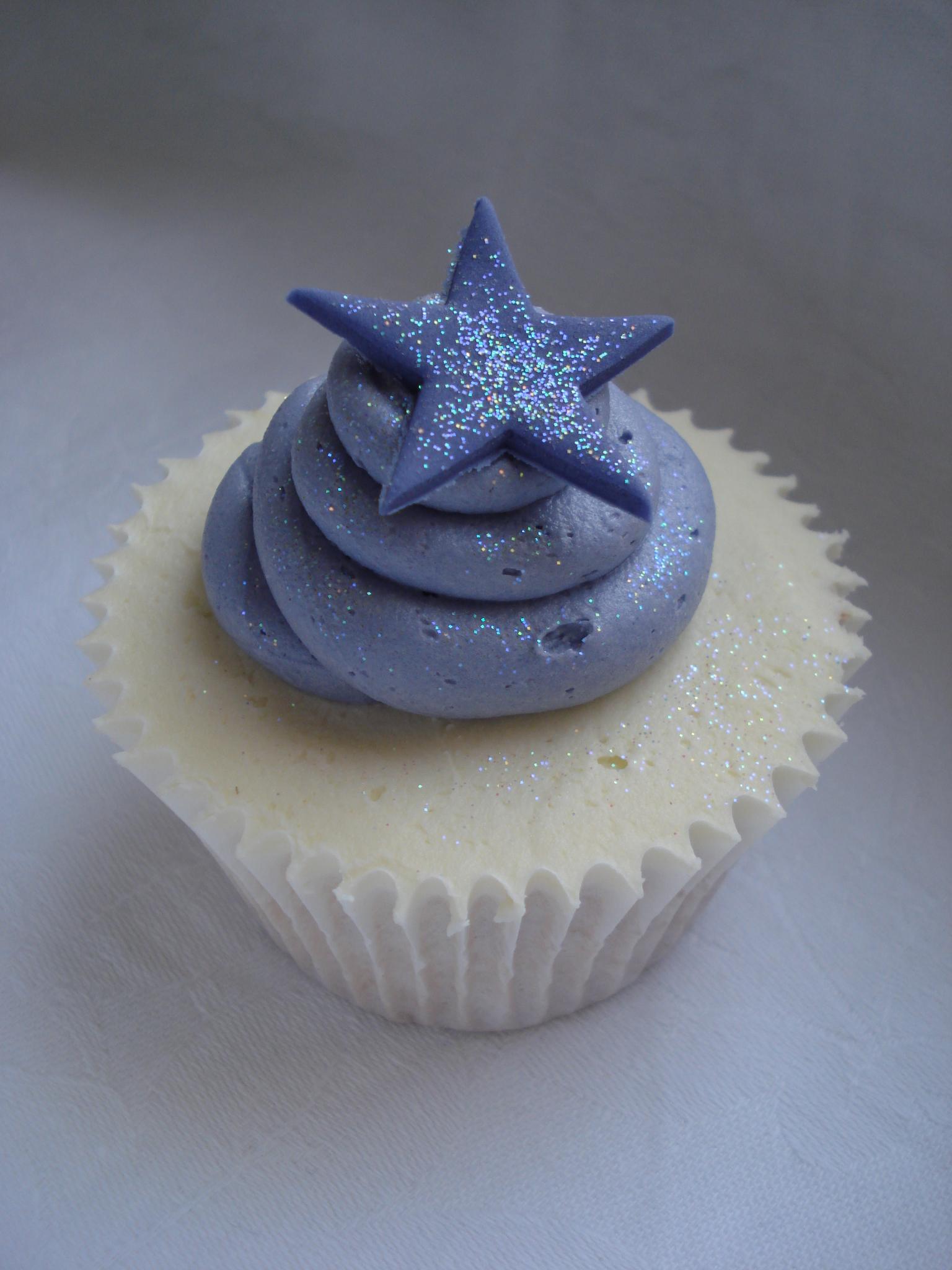 Lilac swirl and purple star cupcake