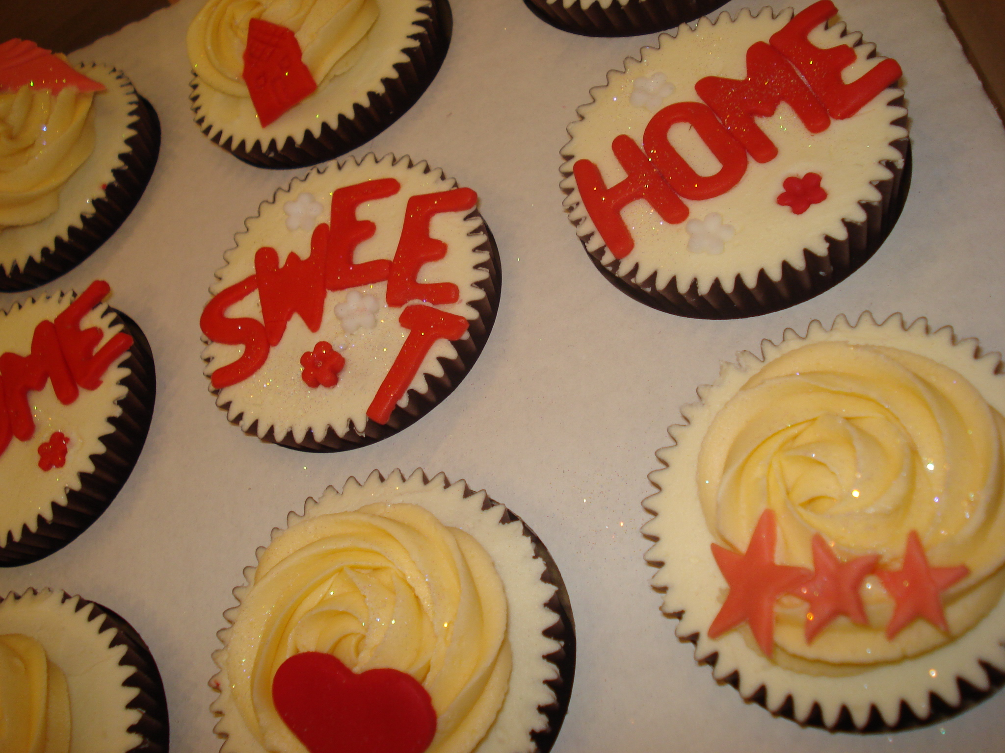 Home Sweet Home cupcakes