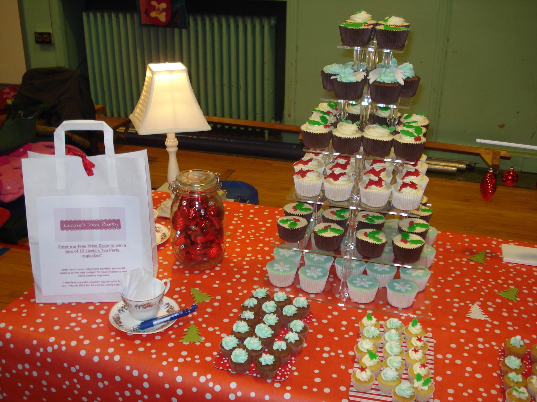 Christmas cupcakes, large and mini