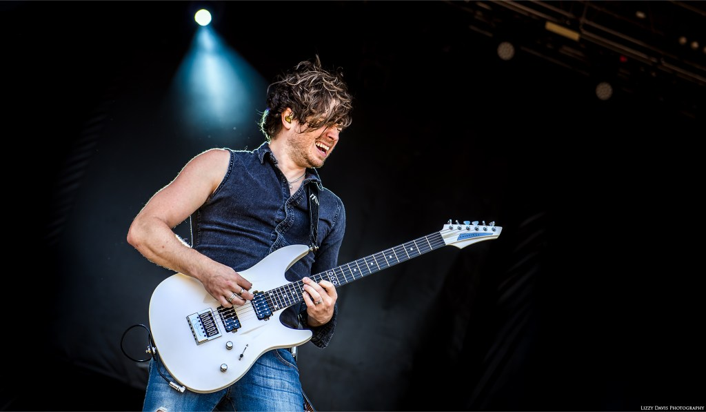Guitarist Mark Vollelunga of the band Nothing More. ©Lizzy Davis Photography