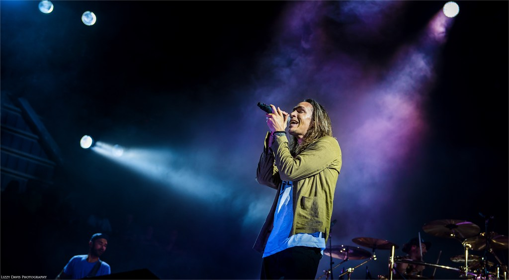 Brandon Boyd. Incubus tour 2017 photos by ©Lizzy Davis Photography.