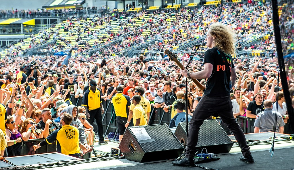Andrew Cushing of Adelitas Way performing to the huge crowd at Rock on the Range 2014.