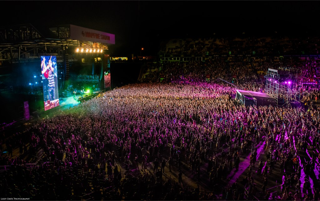 Massive crowd for Linkin Park at Rock on the Range.