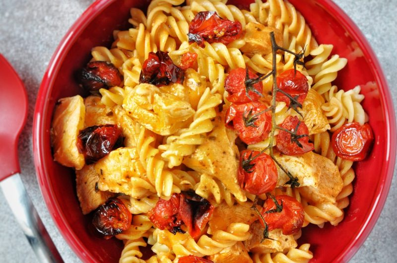 Spirelli met kip en rode pesto-roomsaus