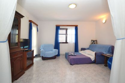 ljiljana-blue-apartmet-livingroom-06-2016-pic-01