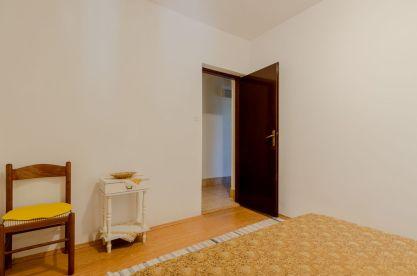 ljiljana-white-apartment-bedroom-06-2018-03