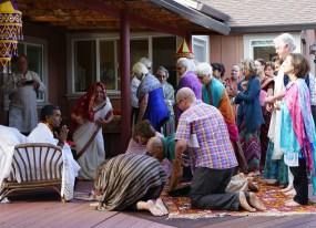 03 Babaji Receiving Offerings