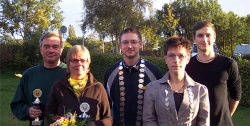 Die Königinnen und Könige (von links nach rechts): Matthias Böke – Heike Lühr-Böke – Marcel Dubbe – Claudia Bartels – Robin Wozniak