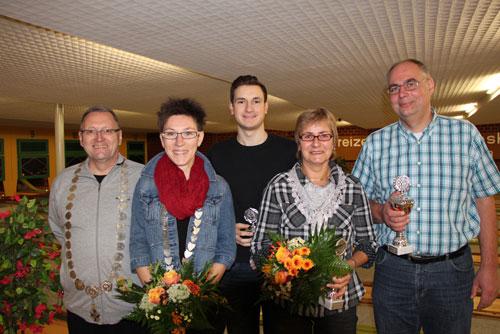 Könige und Königinnen 2013 v. l. Joachim Müller, Claudia Bartels, Robin Wozniak, Heike Lühr-Böke, Siegfried Saucke