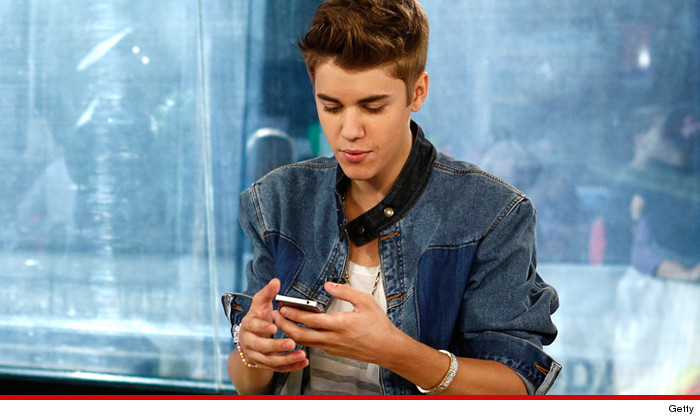 0115-justin-bieber-getty-phone