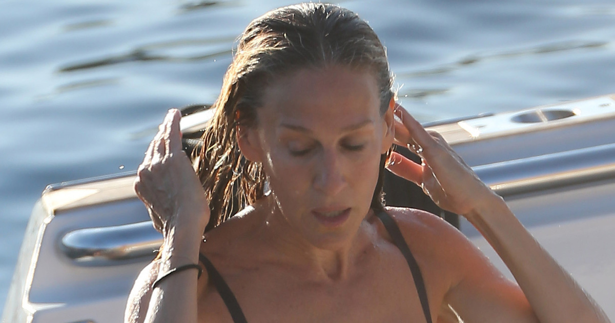 Sarah Jessica Parker 50 Puts Hot Bod On Display While