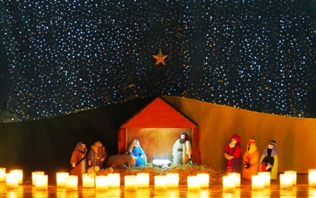 Carols by Candlelight crib scene