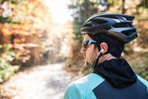 Survey highlights strong support for ban on cyclists wearing headphones