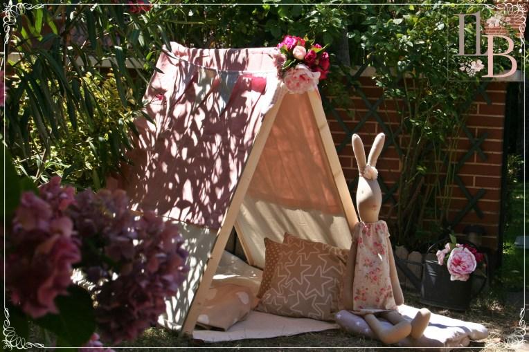 Casita de madera para rincón en Bodas. Fiestas infantiles personalizadas en Kalender DIY Party. Fiestas Pijamas. Fiestas con tipis.