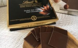 Lindt(リンツ) スイスシン ダークチョコレート
