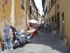 6.4.17 Arezzo feira antiquariato-010