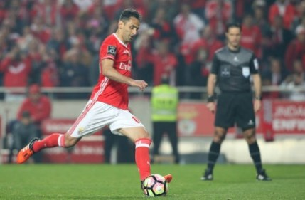 Jonas steps up to put Benfica ahead from the penalty-spot. Image from: Getty