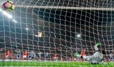 Jonas fires the ball straight down the middle from the penalty-spot to put Benfica ahead. Image from: Getty