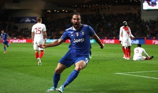 Gonzalo Higuaín celebrates after putting Juventus ahead. Image from: Getty