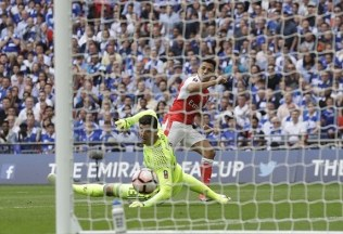 Alexis Sánchez puts Arsenal ahead. Image from: AP