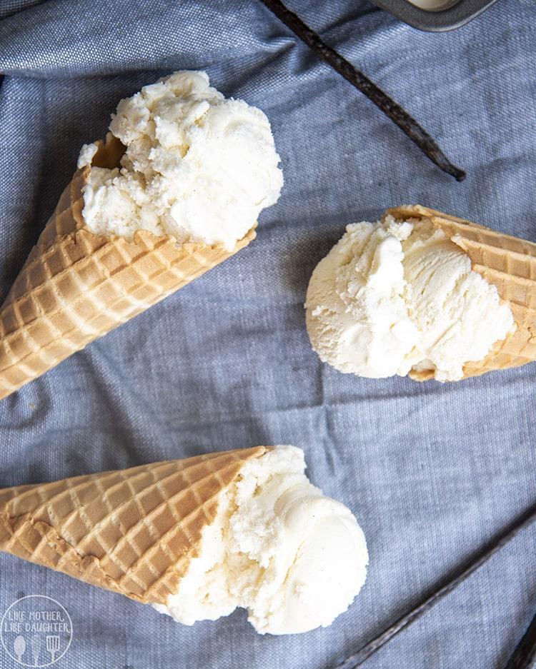Creamy Vanilla Ice Cream Cones