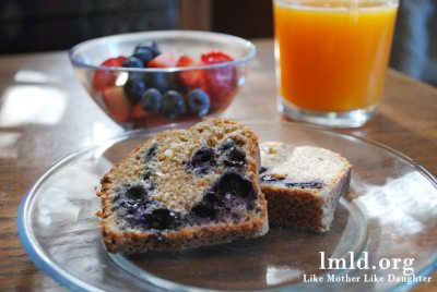 banana blueberry bread